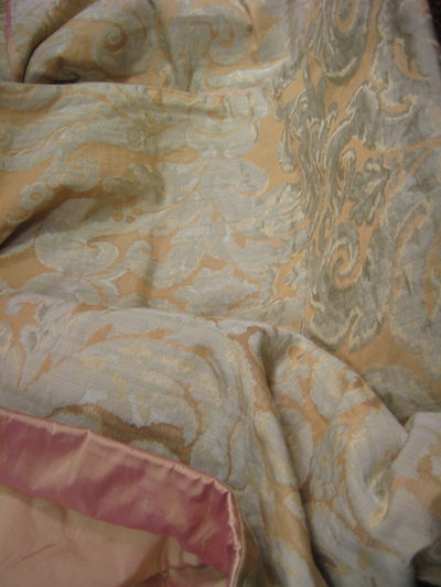 Peachy Gold Damask