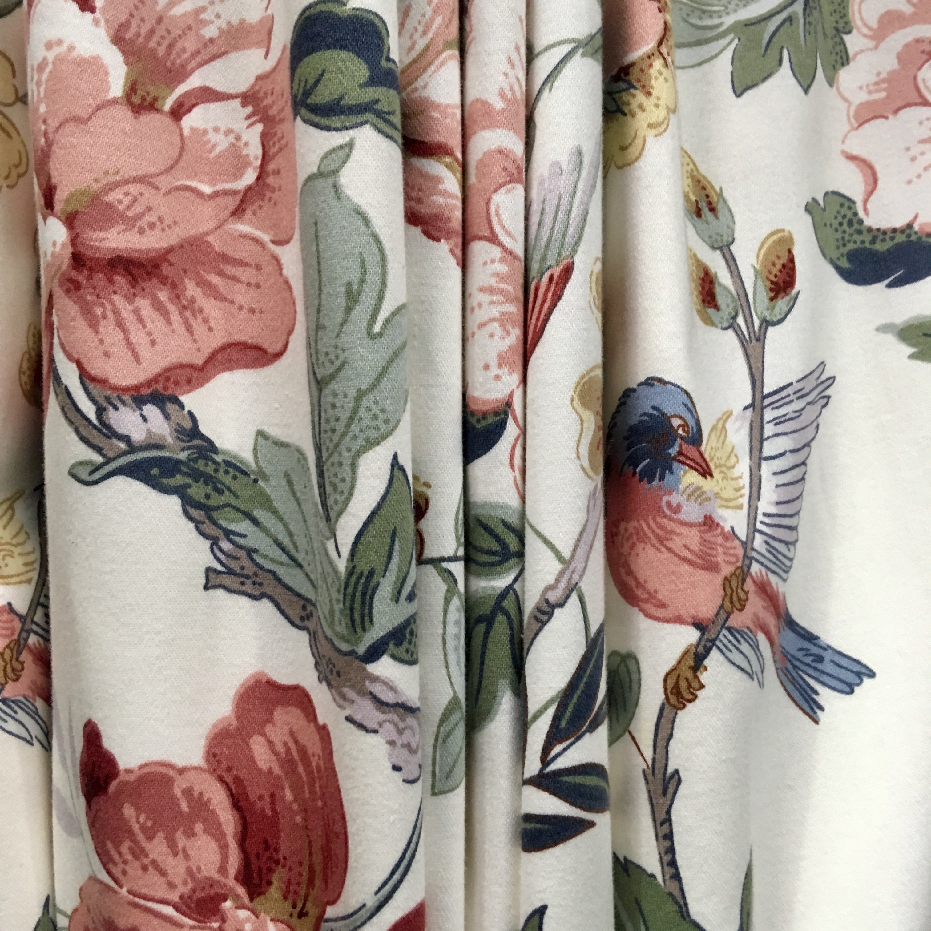 Floral Retro Swallows