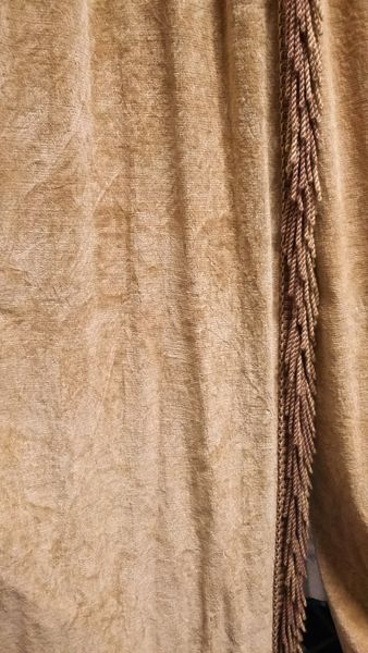 Sand Embossed Velvet, Fringed